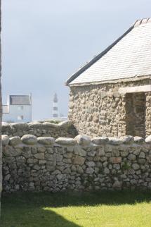 Le phare du Creac'h vu depuis l'écomusée d'Ouessant
