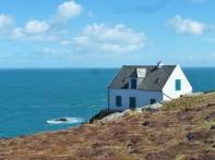 Maison en bord de falaise